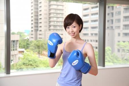 早く痩せるには、モデルも取り入れる『程よい筋トレ』が鍵!ボクシングで楽しみながらダイエット♪|ボクシングフィットネスジムNOA
